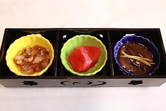 珍味三種盛(焼明太子・タコキムチ・ホタルイカの沖付け)